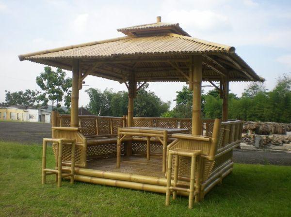 Kiosque en bambou mobilier de jardin for Mobilier bambou exterieur