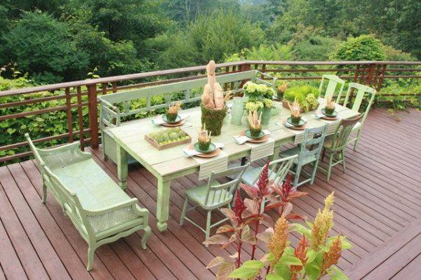 meubles de jardin en bois peint vert