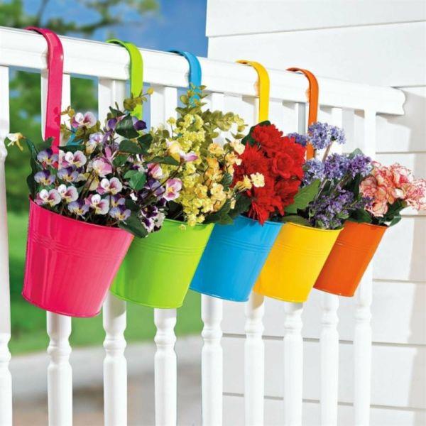 pots peints pour la deco de jardin